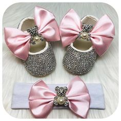 Teddy Bear Baby Doll Crystal Baby Girl Shoes and Matching Headband - baby products list Bling Baby Shoes, Baby Girl Shoes, Girls Shoes, My Little Baby, Baby Love, Newborn Gifts, Baby Gifts, Baby Car Mirror, Baby Sleepers