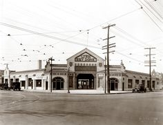 Lyric Sky Dome Theater, northwest corner of Taylor Avenue and Delmar Boulevard. | collections.mohistory.org