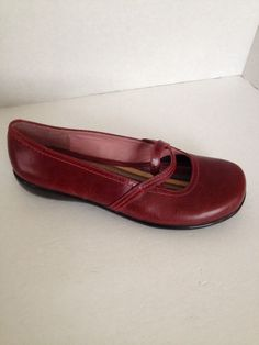 fa6b0ad1179e Clarks Shoes Womens Size 6 M Red Loafer Mocs Sz 6M Oxblood Brazil Leather   Clarks