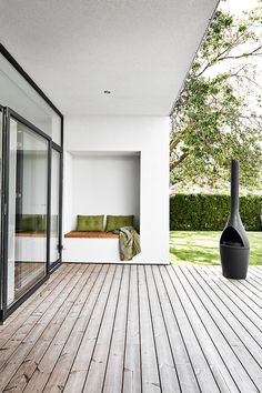 Excellent Summer House Design Ideas To Try Asap 02 home Outdoor Life, Outdoor Spaces, Outdoor Living, Outdoor Decor, Corner Summer House, Outside Living, House Extensions, House Goals, Architecture Details