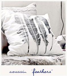Feathers cushion <3