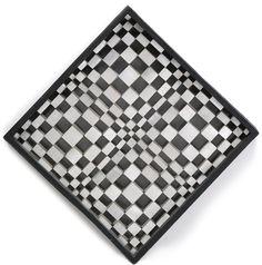 Dadamaino/OGGETTO INSTABILE VISIVOdedicato A C. Megert avec beaucoup d'amicitie e datato 1963 sul retro placchette di alluminio fresato, fili di nylon, inchiostro, vernice argento su carta e cassetta di legno cm 50x50x5,5