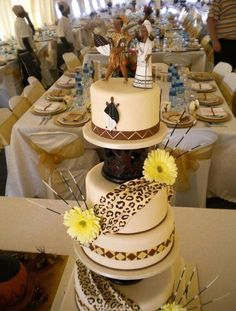 60 Beautiful African Wedding Cake You Will Love for Your Inspirations – Gâteau Mariage African Wedding Cakes, African Wedding Theme, African Theme, African Wedding Dress, African Weddings, African Attire, Zulu Traditional Wedding, Traditional Cakes, Modern Traditional