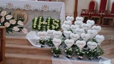 Corpus Christi, Church Flower Arrangements, Floral Arrangements, First Holy Communion, Holi, Easter, Seasons, Table Decorations, Flowers