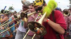 """Orquestra Voadora carnaval 2012 """"você pode voar"""""""