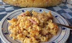 Een klassieker. Macaroni met spek en kaas. Het originele recept is met ham, maar spek vinden wij net iets lekkerder.