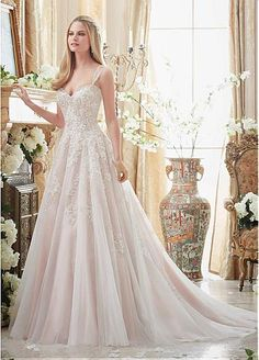 Glamorous Tulle Sweetheart Neckline A-line Wedding Dresses With Lace Appliques