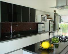 Wandfliesen Küche   Wir Haben Die Folgende Idee: Bleiben Sie Mit Und Sehen  Sie, Welche Art Von Wandfliesen Zurzeit Aktuell Sind.