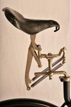 selle Regina molleggiata 1884... 19th century attempt at bicycle suspension (at seat level).
