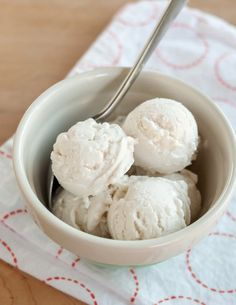 """First off, I promise you there are no tricks to this ice cream. This isn't """"ice cream"""" in quotation marks. You're not going to get your hopes up only to have them dashed with a bowl of icy, flavorless frozen dairy substitutes. This vegan ice cream is the real deal. Yes, it's creamy. Yes, it tastes like a real dessert that you'd drizzle with caramel sauce and sprinkle with nuts. Yes, it's dairy-free and vegan too (no eggs!). Here's what you need to know."""
