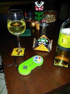Aus Bügelperlen, Untersetzer und Zimmerpflanze, Super Mario und ein von mir gemoddeter Controller