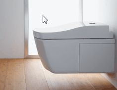 The ISH 2013 showed up trends towards more wellness and comfort in the bathroom. Japanese manufacturer TOTO also champions innovation and high tech. Smart Toilet, Modern Toilet, Minimalist Bathroom Design, Minimalist Home Decor, Contemporary Toilets, Contemporary Bathrooms, Bathroom Renos, Small Bathroom, Remodel Bathroom