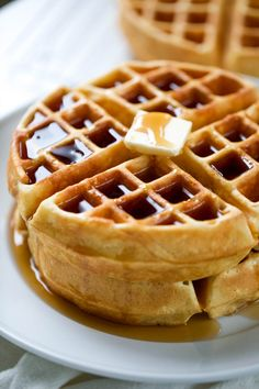 Homemade Waffle Recipe Look no further! This is the PERFECT Homemade Waffle Recipe! 😍 Made with simple ingredients – light and crispy on the outside, soft and fluffy on the inside – they're perfect every time! Waffle Recipe For Two, Waffle Iron Recipes, Waffle Recipe No Oil, Waffle Batter Recipe, Breakfast Casserole Easy, Breakfast Dishes, Breakfast Recipes, Breakfast Waffles, Pancake Recipes