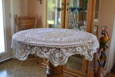 Vintage White Hand Crocheted Lace Linen Round Tableloth Estate Find