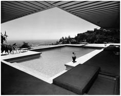 Case Study House No. 22, Los Angeles, CA. 1960, Architect Pierre Koenig Photo Julius Shulman