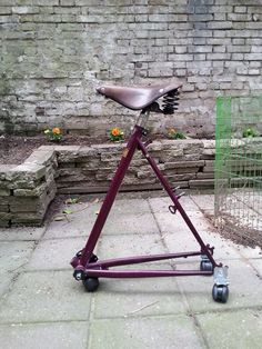 Vom alten Rad zum Sessel – Upcycling The old bicycle frame can live on! The seemingly useless bicycle frame becomes a stylish office chair. Bicycle Decor, Old Bicycle, Bicycle Art, Old Bikes, Dirt Bikes, Recycled Bike Parts, Bike Storage, Bike Frame, Bike Design