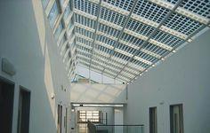 De semi-transparante zonnepanelen van Sirius Solar zijn uitermate geschikt voor luifels, gevels of daken.