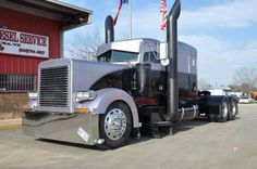 Peterbilt 379 - US Trailer would love to lease used trailers in any condition to or from you. Contact USTrailer and let us lease your trailer. Click to http://USTrailer.com or Call 816-795-8484