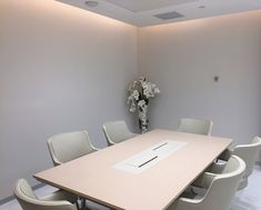Proyecto de arquitectura, consultoría de obra e interiorismo en la Sede de Banca Beta Capital Management Miami durante el año 2015 Miami, Conference Room, Table, Furniture, Home Decor, Private Banking, Offices, Interiors, Decoration Home