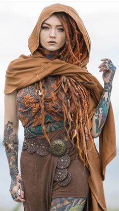 Plaited hair for costumes Mode Inspiration, Character Inspiration, Character Design, Body Art Tattoos, Girl Tattoos, Coco Chanel Mode, Festival Stil, Plait Styles, Poses References