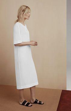 white straight and long summer dress   curated by ajaedmond.com   capsule wardrobe   minimal chic   minimalist style   minimalist fashion   minimalist wardrobe   back to basics fashion