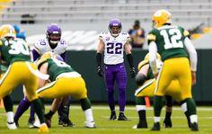 Andy Kenutis/Minnesota Vikings Vikings Cheerleaders, Minnesota Vikings, Cheerleading, Football Helmets, Fashion, Moda, Fashion Styles, Fashion Illustrations, Cheer