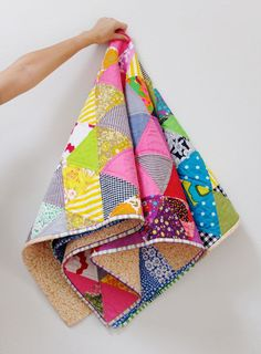 7 Equilateral Triangle Quilts to Inspire! {plus a pillow} — SewCanShe | Free Daily Sewing Tutorials