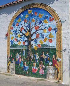 Book tree mural in Faifax, California.