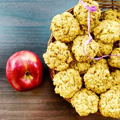 Wholesome cookies made with wholewheat flour, oats and fresh apples - perfect for the weather !