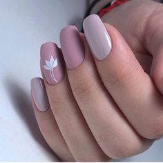 The advantage of the gel is that it allows you to enjoy your French manicure for a long time. There are four different ways to make a French manicure on gel nails. The choice depends on the experience of the nail stylist… Continue Reading → Stylish Nails, Trendy Nails, Cute Nails, My Nails, Minimalist Nails, Short Gel Nails, Long Nails, Gel Nagel Design, Square Nail Designs