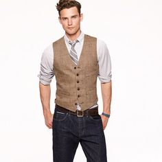 Ludlow vest in herringbone Italian linen with dark blue jeans and a light blue plaid shirt.
