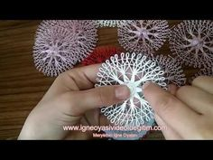 This Pin was discovered by Лар Embroidery Flowers Pattern, Crochet Flower Patterns, Crochet Flowers, Hand Embroidery, Easy Fabric Flowers, Loom Flowers, Tenerife, Loom Crochet, Loom Knitting