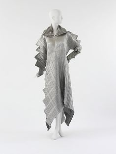 Issey Miyake F/W 1994 Met Collection