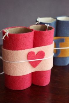 valentines day crafts for kids from toilet paper rolls binoculars with red heart decoration