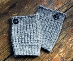 Easy Knit Boot Cuff Knitting Pattern by SimplyNotable.com http://www.simplynotable.com/2014/easy-knit-boot-cuffs/