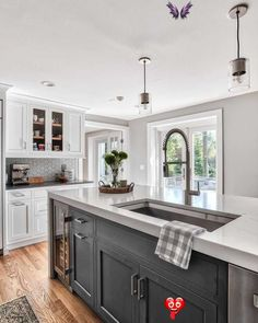 Grey Kitchen Cabinets Ideas Many have started to wonder: are grey kitchen cabine...,  #cabine #cabinets #grey #Ideas #Kitchen #paintedwallgrey #started<br> Grey Kitchen Designs, Kitchen Design Open, Kitchen Cabinet Design, Kitchen Layout, Interior Design Kitchen, Kitchen Colors, Long Narrow Kitchen, Dark Grey Kitchen, Grey Kitchen Cabinets