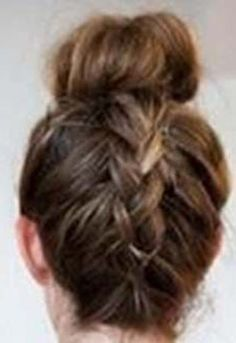 Mix it up this Christmas… Little Mix! Rock around your Christmas tree this winter, with this gorgeous plait/bun fusion. This mixed up style suits those with an oval, slim or square shaped face and works best with longer hair. Follow our step-by-step guide and get ready to greet the Carol singers in style: STEP …
