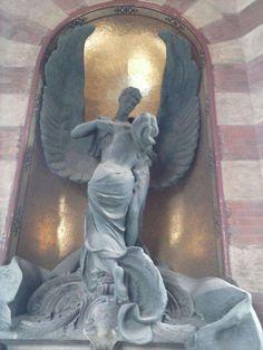 Cimitero Monumentale di Milano - Sculture unite nella morte