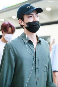 Sehun [HQ] 190705 Incheon Airport, departing for Hong Kong Baekhyun, Exo, Korean Airport Fashion, Kim Joon Myeon, Sehun Cute, Kim Min Seok, Kim Jong In, Incheon, Actor Model