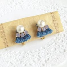 裾上げのときにカットしたジーンズのハギレ布を使いました!... Diy Accessories, Handmade Crafts, Diy Fashion, Jewelry Box, Weaving, Drop Earrings, Blog, Inspiration, Stud Earrings