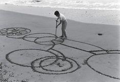 Atsuko Tanaka (Japanese, 1932–2005). Round on Sand. 1968