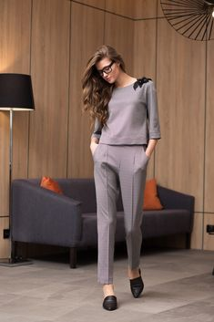 business attire for women Business Outfits Women, Business Casual Dresses, Business Attire, Trendy Dresses, Fashion Dresses, Blazer Outfits Casual, Classy Outfits, Casual Wear, Stylish Dress Designs