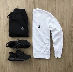 new style for men is part of Streetwear outfit - Swag Outfits Men, Stylish Mens Outfits, Casual Outfits, Men Casual, Fashion Outfits, Sneakers Fashion, Fashion Shoes, Sweater Outfits, Batman Outfits