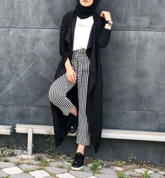 striped pants with waterfall cardigan-Cute and girly hijab clothing – Just Trendy Girls Modern Hijab Fashion, Hijab Fashion Inspiration, Muslim Fashion, Modest Fashion, Trendy Fashion, Casual Hijab Outfit, Hijab Chic, Ootd Hijab, Casual Clothes
