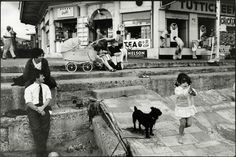 Tony Ray Jones - exceptional eye for complex street scenes/bh