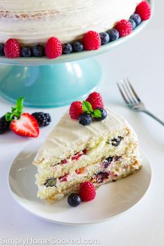 This Berry Chantilly Cake recipe is loaded with 4 different berries, a sweet mascarpone cream cheese frosting, and 4 fluffy vanilla cake layers. Chantilly Cake Recipe, Berry Chantilly Cake, Baking Recipes, Cake Recipes, Dessert Recipes, Appetizer Recipes, Yummy Recipes, Recipies, Delicious Fruit