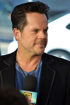 Get the latest music news, watch video clips from music shows, events, and exclusive performances from your favorite artists. Discover new country music on CMT. Country Music Artists, Country Singers, Latest Music, New Music, Music Music, Top Country Songs, Gary Allan, Hey Good Lookin, Album Releases