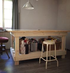 Ich liebe mein neuer Ateliertisch....❤️ Furniture, Home Decor, Atelier, Refurbishing Furniture, Old Furniture, Homemade, Love, Projects, Simple