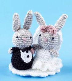 Amigurumi Bunny Wedding Cake Topper | AllFreeDIYWeddings.com