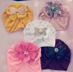 Unicorn Hat, Baby Unicorn, Turban Headbands, Turbans, Diy Baby Gifts, Diy Flowers, Fabric Crafts, Hair Clips, Girl Fashion